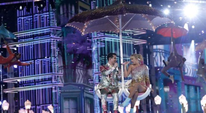 Arya Stark'a teşekkür eden Drake, Taylor Swift'in rekorunu kırdı!
