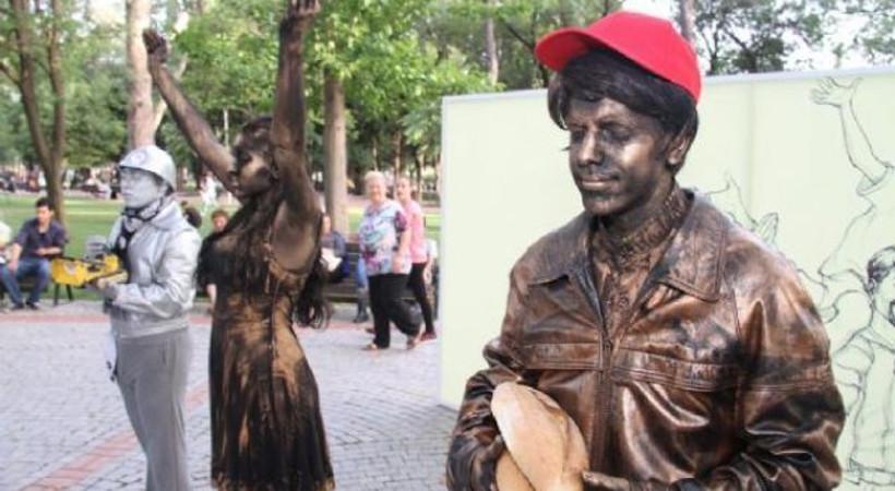Yıldönümünde temsili Gezi Parkı yaptılar