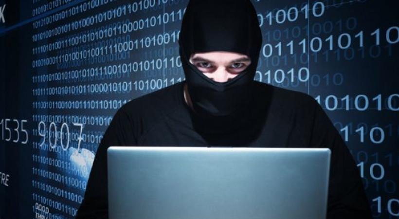 Hacker'lar iş başında! 100 bin kişinin bilgileri çalındı