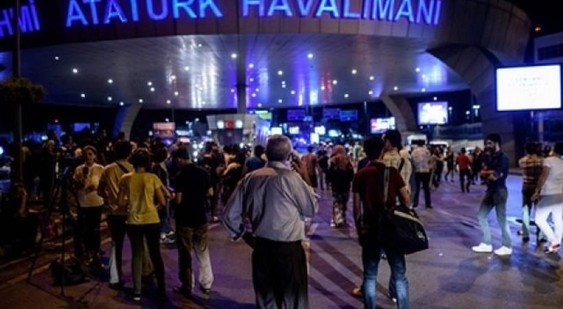 Abdulkadir Selvi: 'Atatürk Havalimanı'nda 7 teröristin olduğu tahmin ediliyor!'