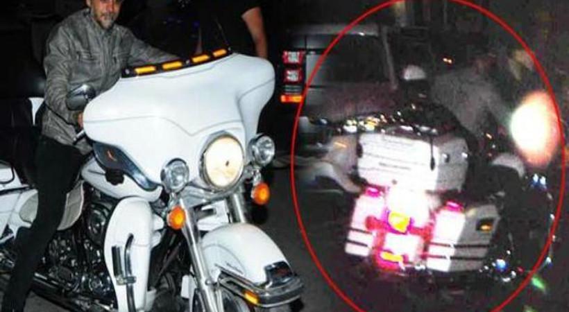 Ünlü oyuncu motosikletten düştü!