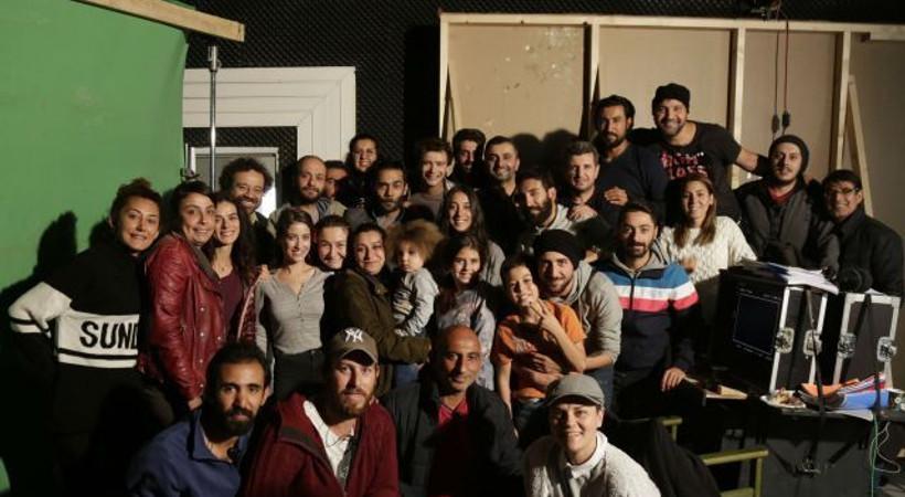 Kadın dizisi oyuncularından Hazal Kaya'ya sürpriz