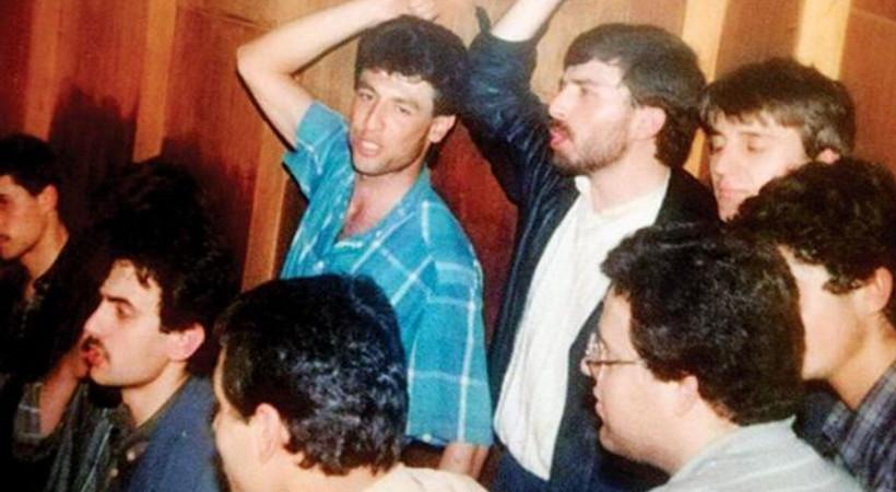Hürriyet yazarı 30 yıl önceki fotoğrafını yayınladı: 'Kahrolsun İsrail sloganı atarken...'