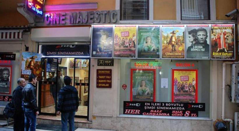 Beyoğlu'ndaki ünlü sinema sular altında kaldı!