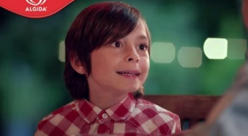 Popüler dizinin oyuncuları Algida'nın Ramazan reklamında