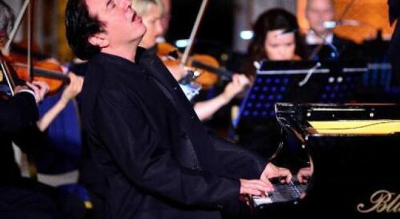 Fazıl Say ve Şanghay Filarmoni Orkestrası'ndan İzmir'de konser