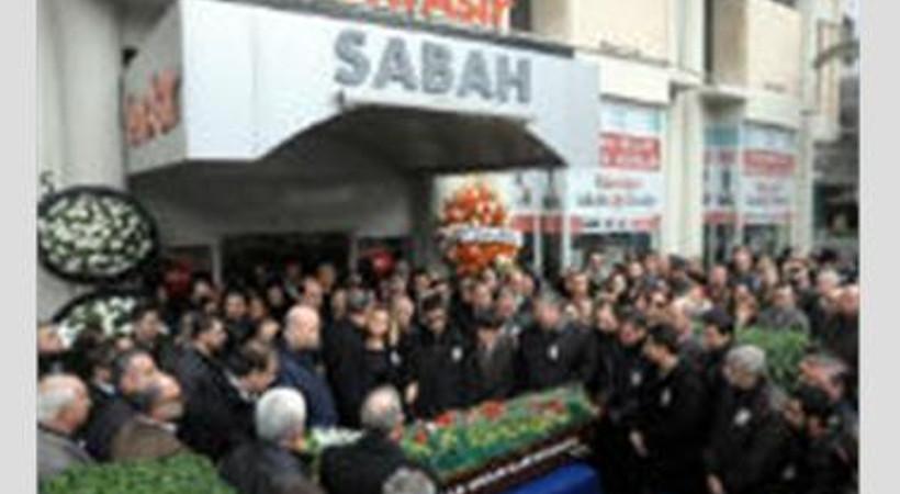 Meslektaşları gazeteci Fethi Doğan Öner'i son yolculuğuna uğurladı