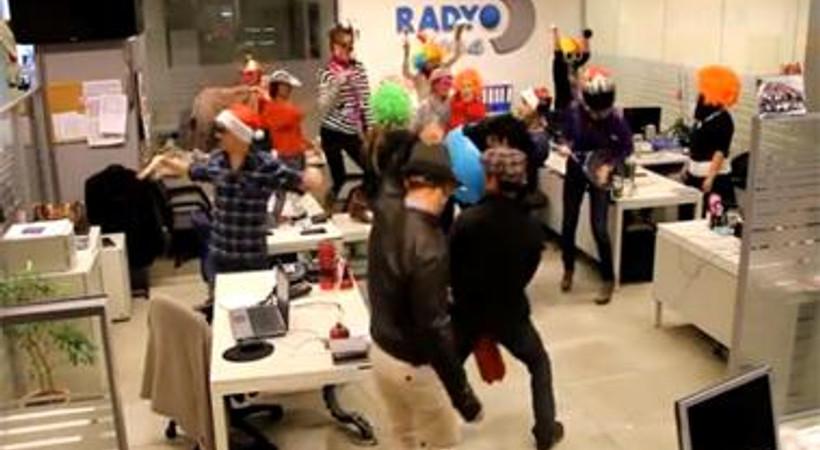 Radyo D ekibinden Harlem Shake şov