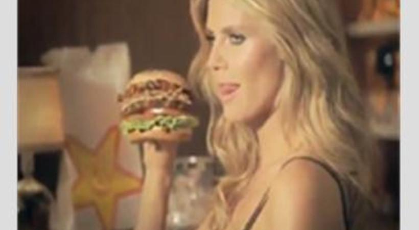 """Alman modelden """"baştan çıkaran"""" hamburger reklamı"""