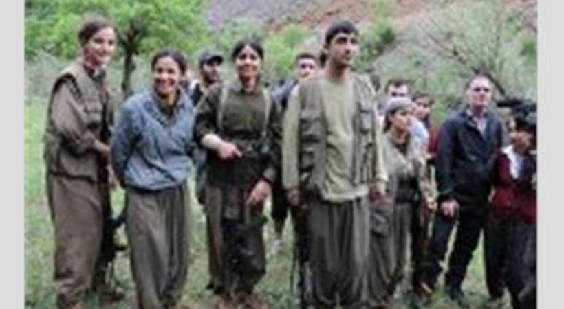 Gazeteciler çekilen PKK'lılar ile karşılaşınca...