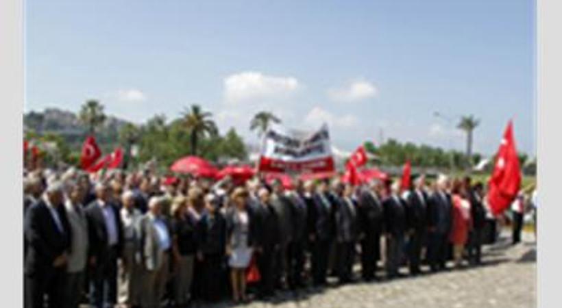 Şehit gazeteci Hasan Tahsin anıldı. Törene kimler katıldı?