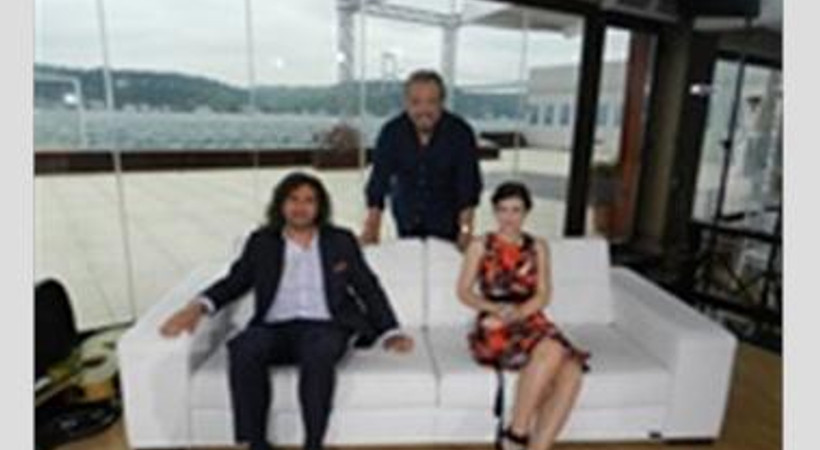 """""""Ali Ayşe'yi Seviyor """" dizisinin Ayşe'si, Şeffaf Oda'da"""