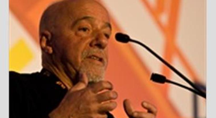 Paulo Coelho ülkesini eleştirdi, Gezi'ye destek verdi!