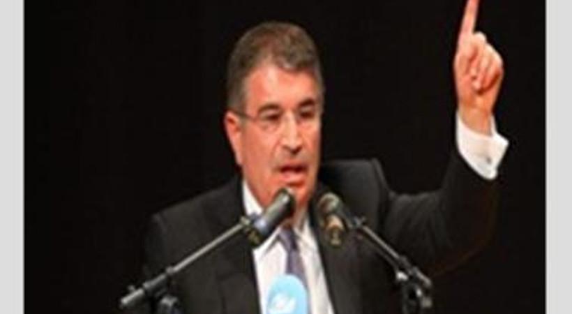 AKP'de bir ayrılık daha! Eski İçişleri Bakanı istifa etti