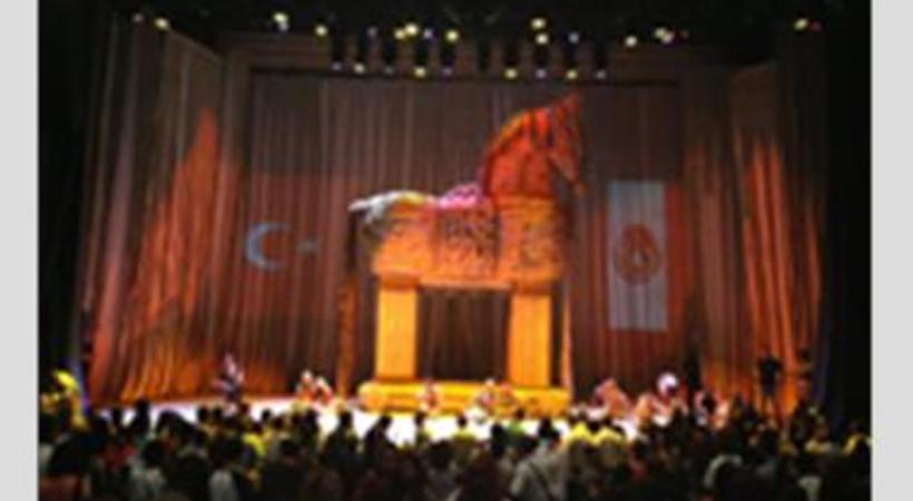 Anadolu Ateşi, 'Troya' ile Meksika'da