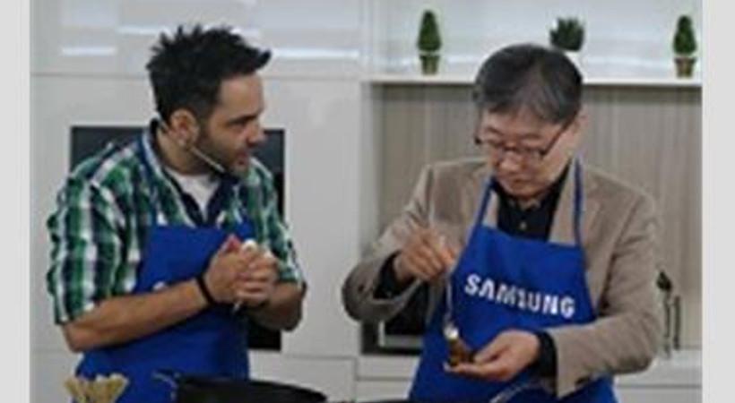Arda Türkmen, Samsung'un yeni ürünlerini tanıttı