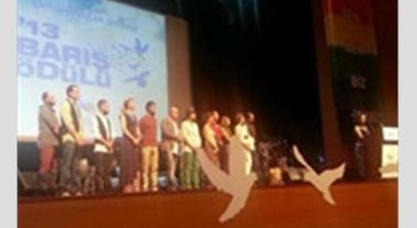 Barış Ödülü Kardeş Türküler'in
