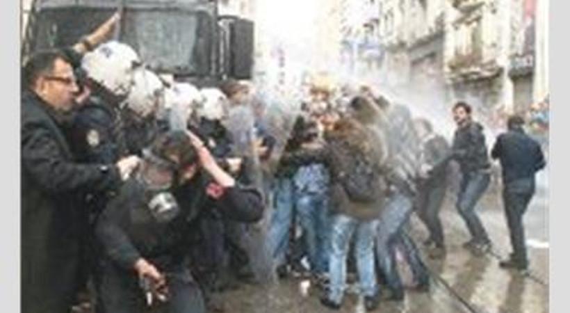 Emek Sineması protestocularına beraat!