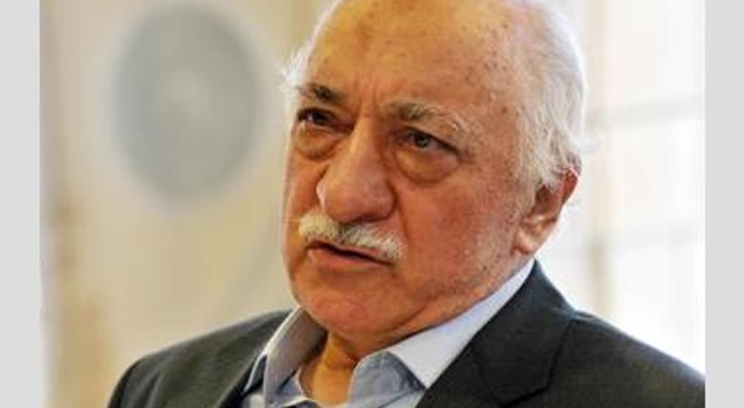 Fethullah Gülen'e 'emekli vaiz' benzetmesi canlı yayını karıştırdı!