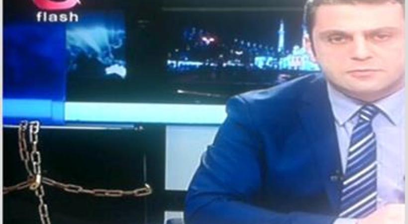 Flash TV'den sansüre zincirli protesto