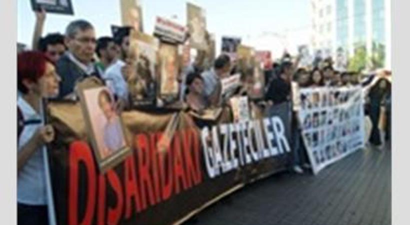 Gazeteciler 'KCK davasına gidin' çağrısı yaptı