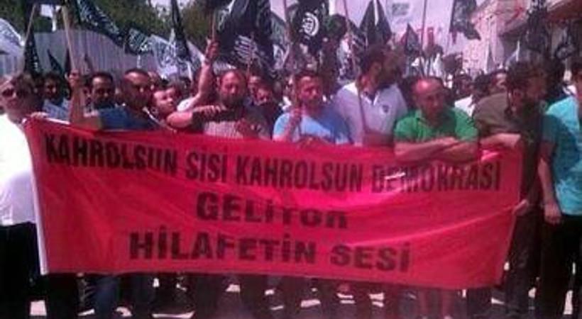 'Kahrolsun demokrasi' sloganına Hasan Cemal'den yorum