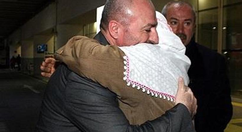 Özgürlüğüne kavuşan gazeteci Türkiye'ye geldi