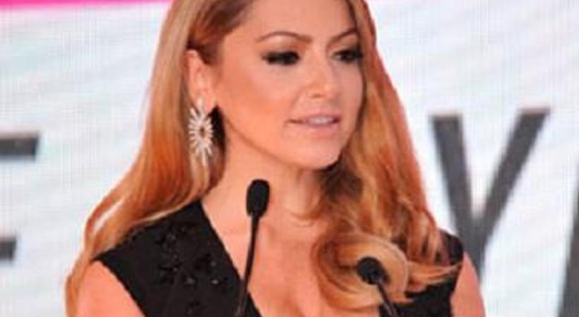 RTÜK, Hadise'nin 'gözleri şaşı eden' dekoltesi için kararını verdi