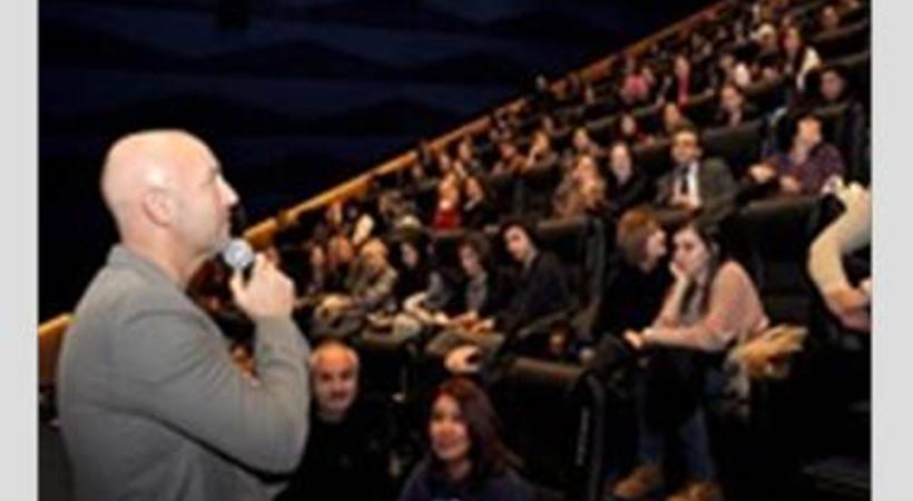 'Tamam mıyız' filmini Ankaralı seyircilerle izleyen Çağan Irmak yeni filminden de tüyolar verdi