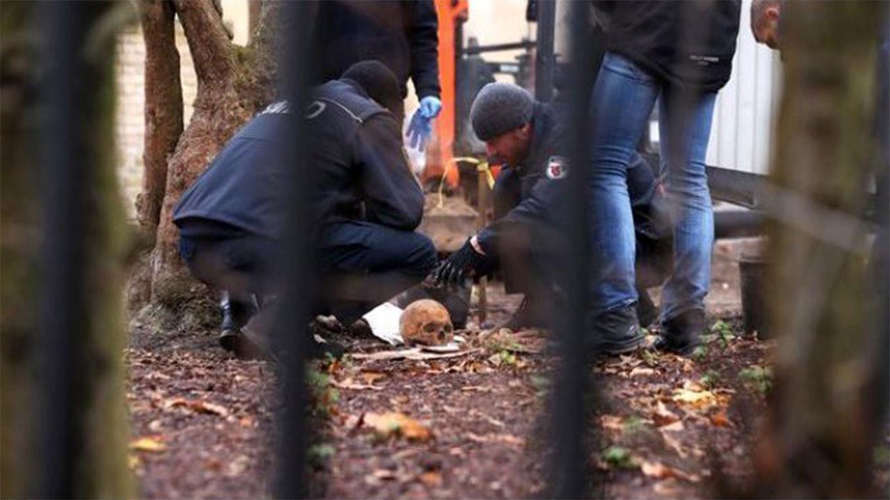 Ünlü sunucunun bahçesinde insan iskeleti bulundu