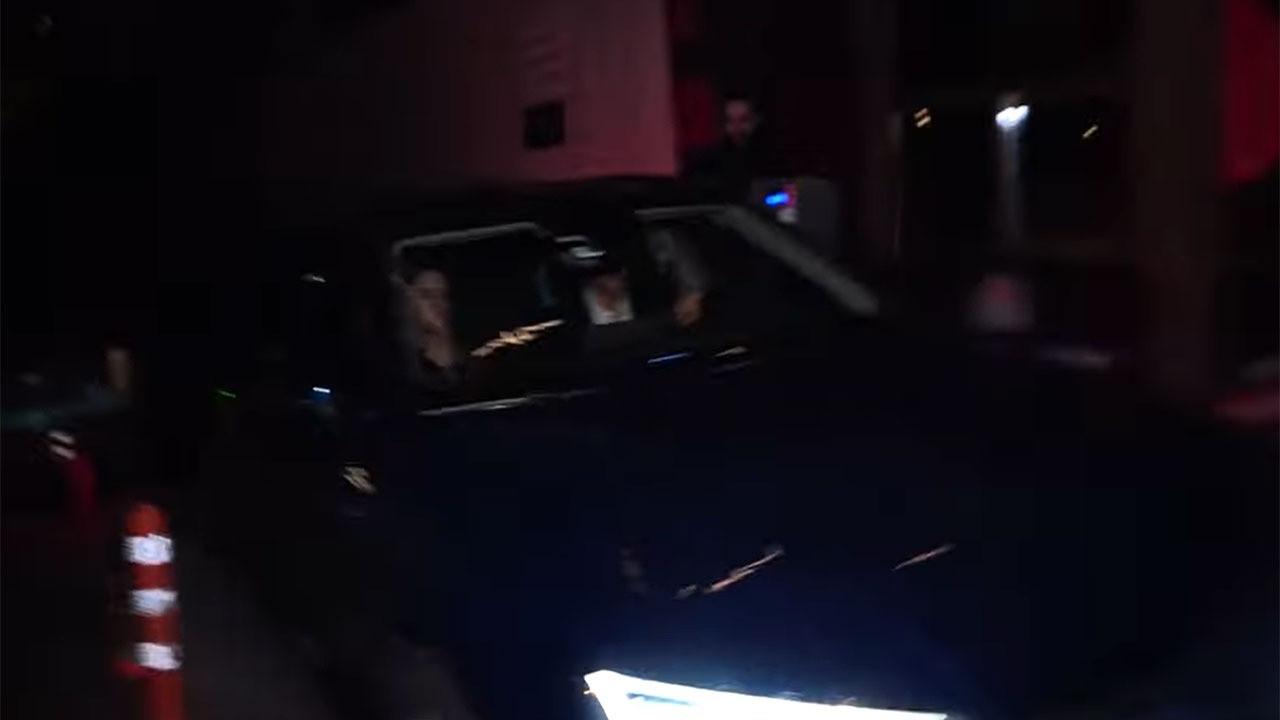 İbrahim Kutluay, arabasını muhabirlerin üzerine sürdü