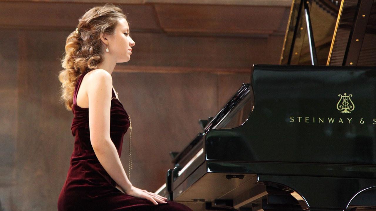 Rus piyanist Elina Valiyeva dairesinde ölü bulundu