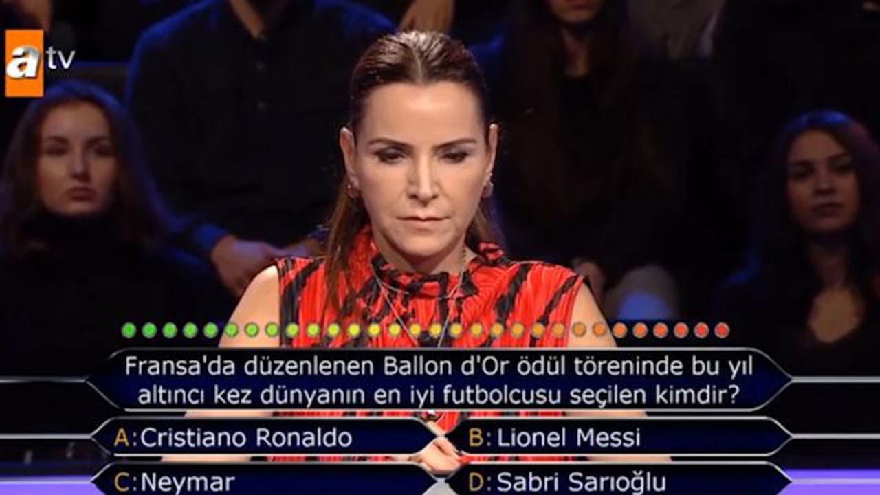Kim Milyoner Olmak İster yarışmasına Sabri Sarıoğlu damga vurdu
