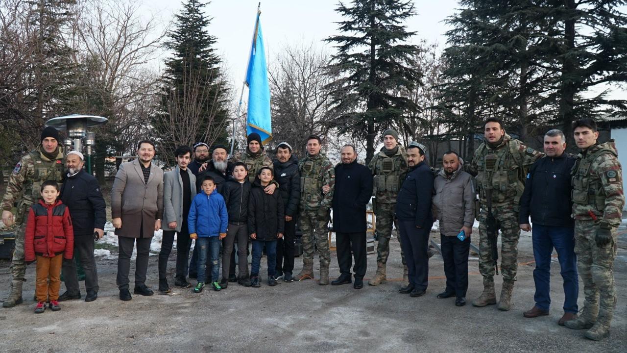 Doğu Tükistanlılar'dan Savaşçı setine ziyaret