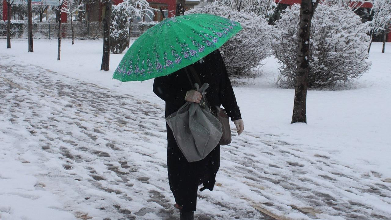 İBB: Saat 19.00'da İstanbul'da kar yağışı başlayacak