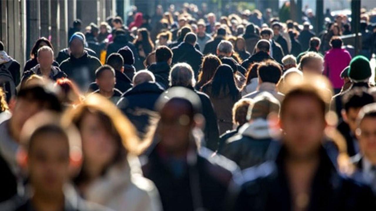 İşsiz sayısı 327 bin kişi arttı