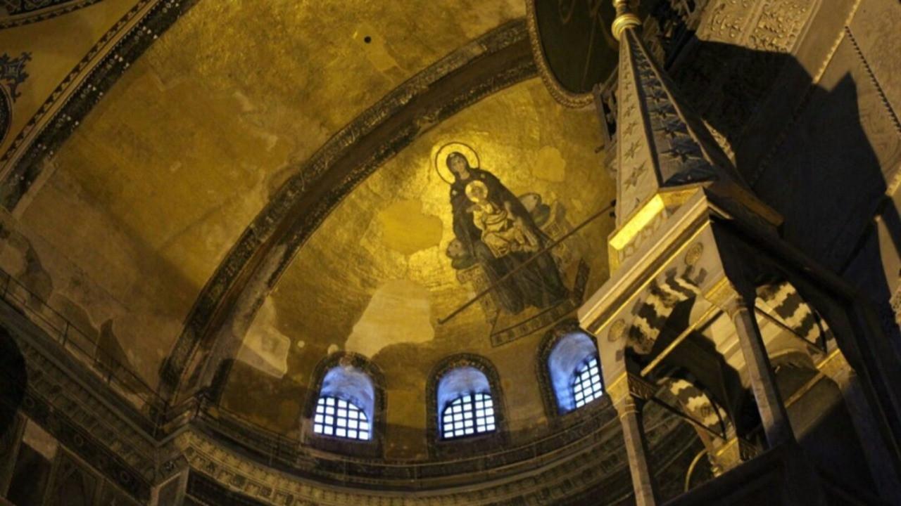Kritik soru cevap buldu! Ayasofya'da mozaik ve fresklere ne olacak?
