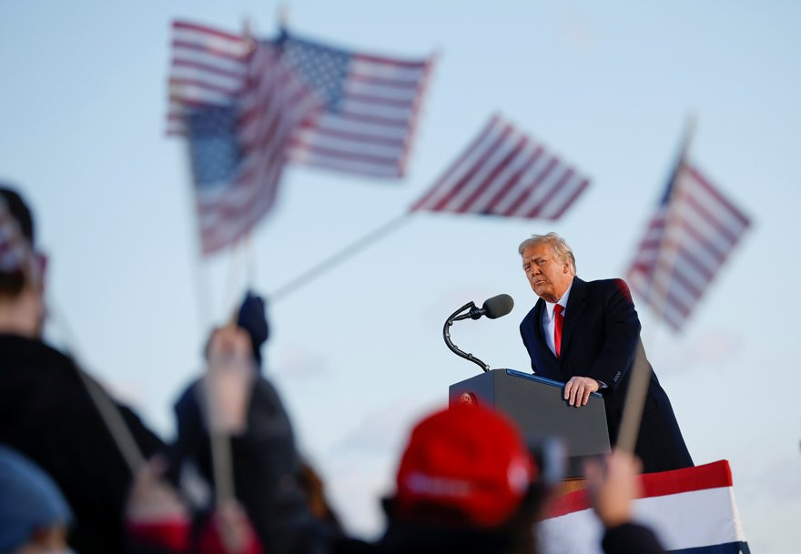 Bir dönemin sonu... Trump Beyaz Saray'dan ayrıldı!
