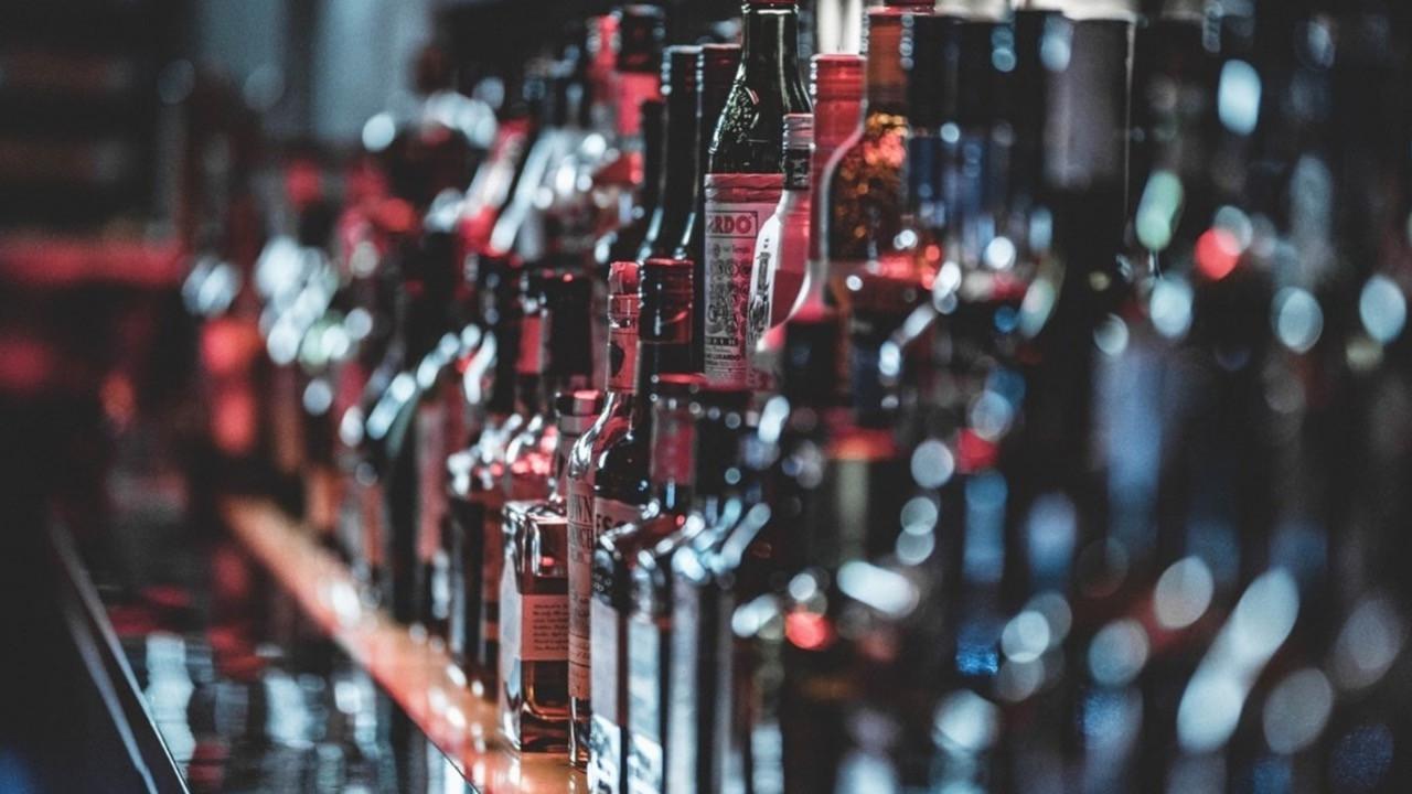 Alkollü içki satışı yasağı kaldırıldı mı? Art arda açıklamalar!