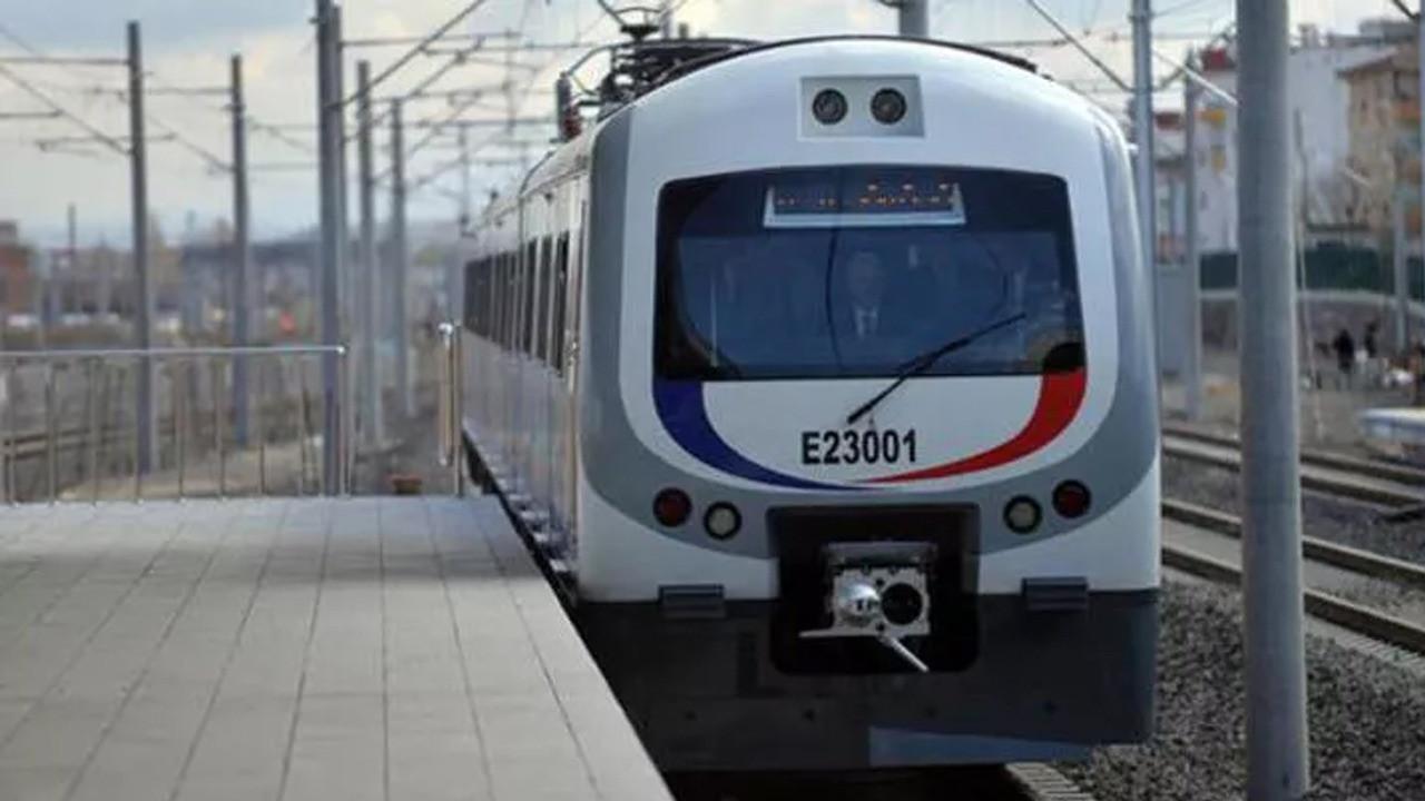 Trenlere ücretsiz binmek mümkün! Nasıl mı? TCDD'ye ait YHT ve ana hat trenlerine kimler binebilir? Trenlerde kimler ücretsiz yolculuk yapabilir?