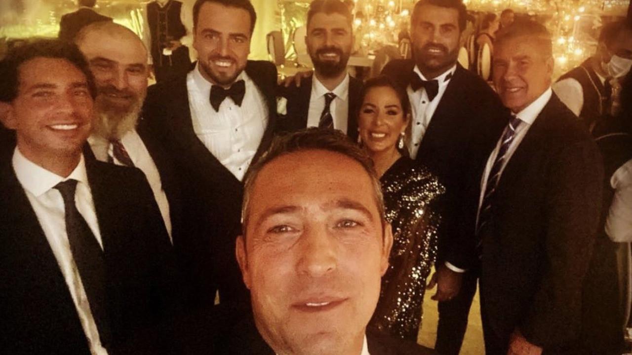 Ali Koç'tan düğün selfiesi