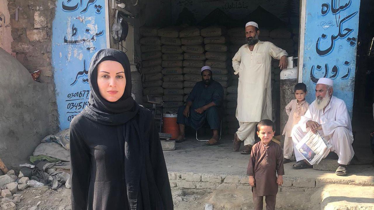 Afganistan'a giden Nagehan Alçı'nın ilk fotoğrafını eşi Rasim Ozan Kütahyalı paylaştı