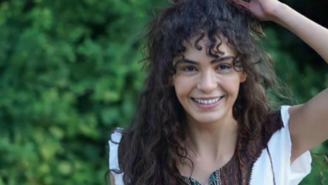 Ebru Şahin'in eski fotoğrafları tartışma konusu oldu! Ebru Şahin estetikli mi estetiksiz mi?