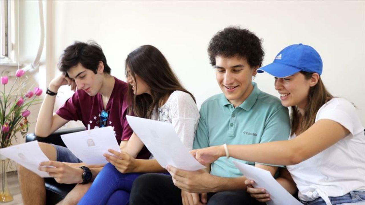 Üniversite öğrencilerine burs veren kurumlar: Hangi kurumlar üniversite öğrencilerine burs veriyor?