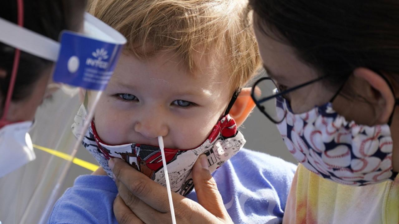 Koronavirüs pozitif oranı çocuklarda yükselişe geçti