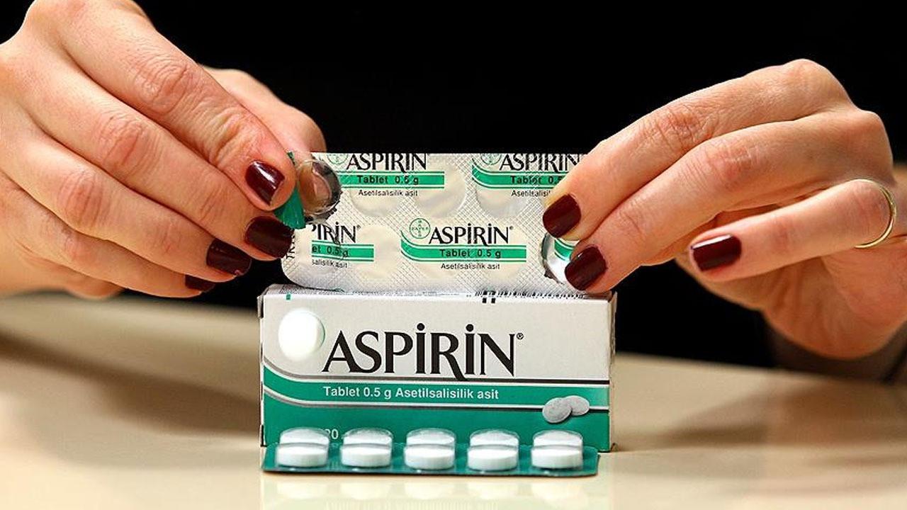 Aspirinle ilgili araştırma korkuttu!  Aspirin faydalı mı zararlı mı? Aspirinin yan etkilerinin faydalarından çok daha fazla olduğu açıklandı